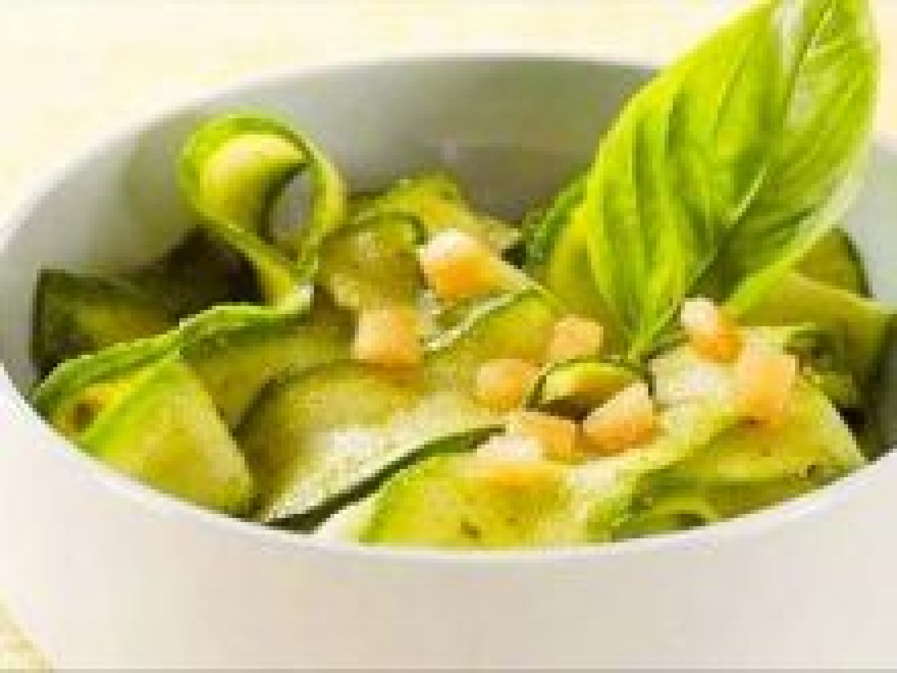 Salade de concombre au basilic