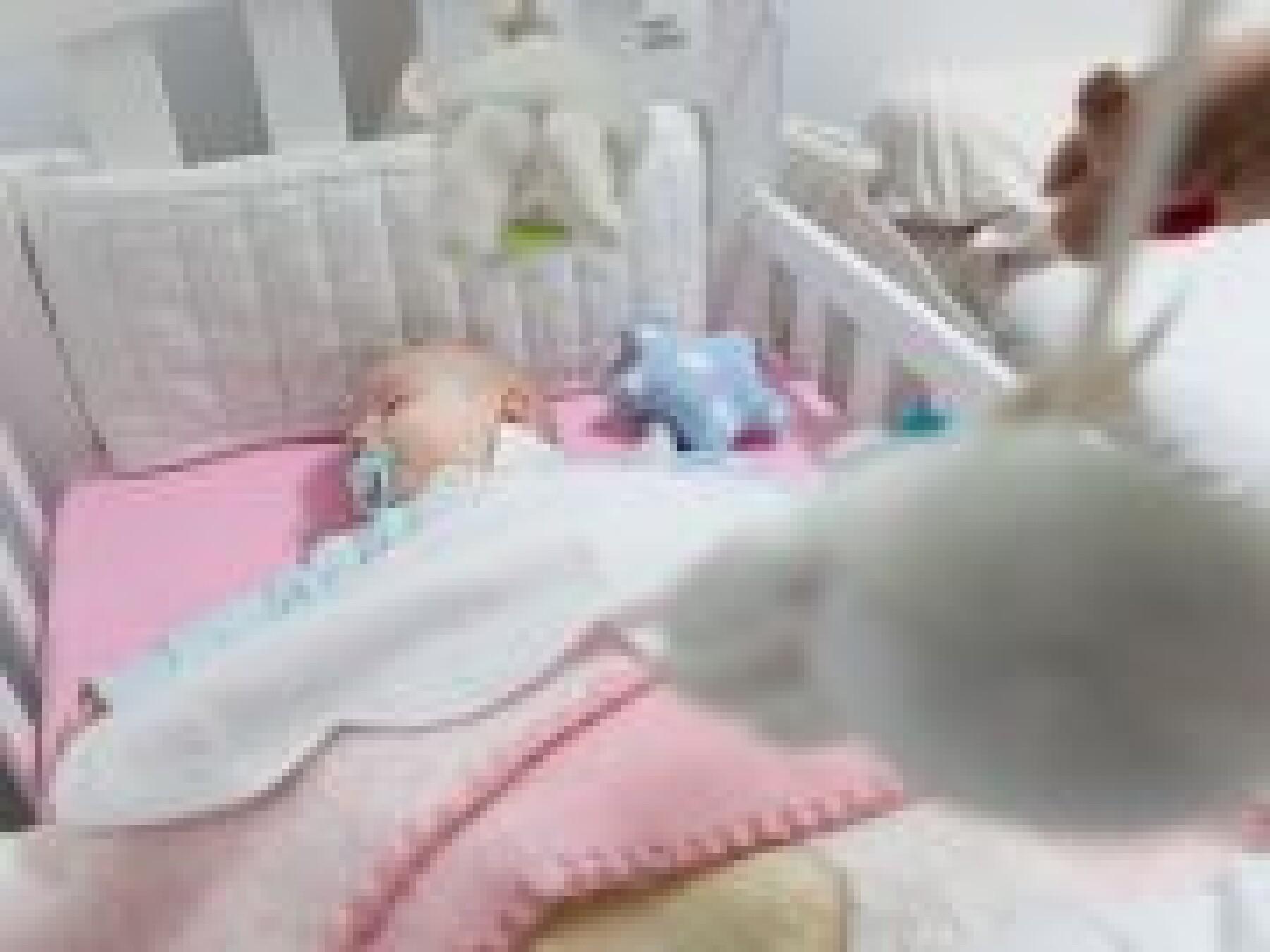 mobile et bébé