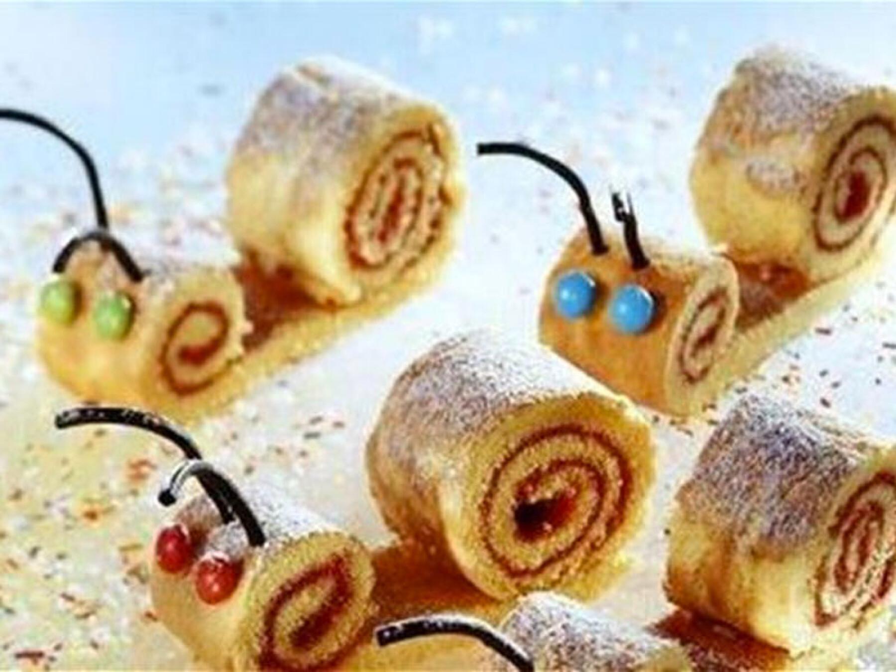 Roulés aux framboises en forme d'escargots