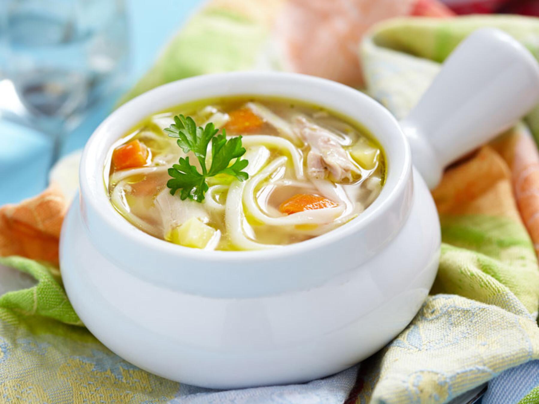 Souoe chinoise de nouilles et crevettes