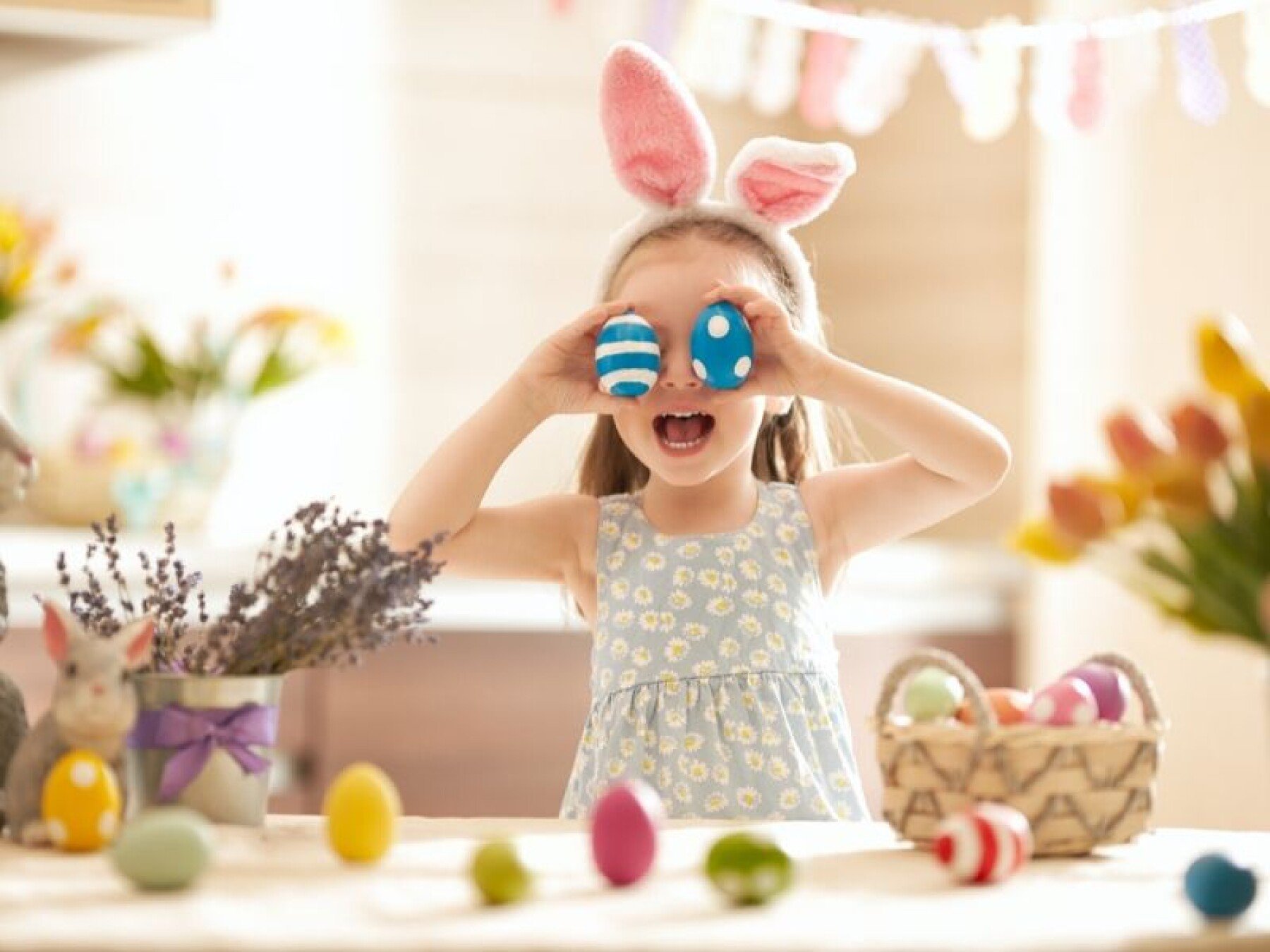 Pâques : on chasse les œufs à la maison
