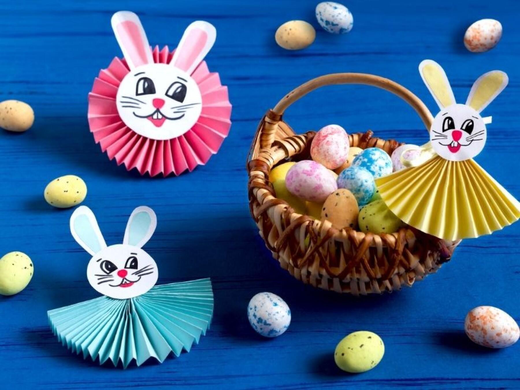 lapins de Pâques en papier